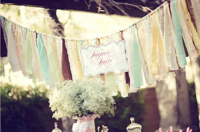 love the colors of this bunting
