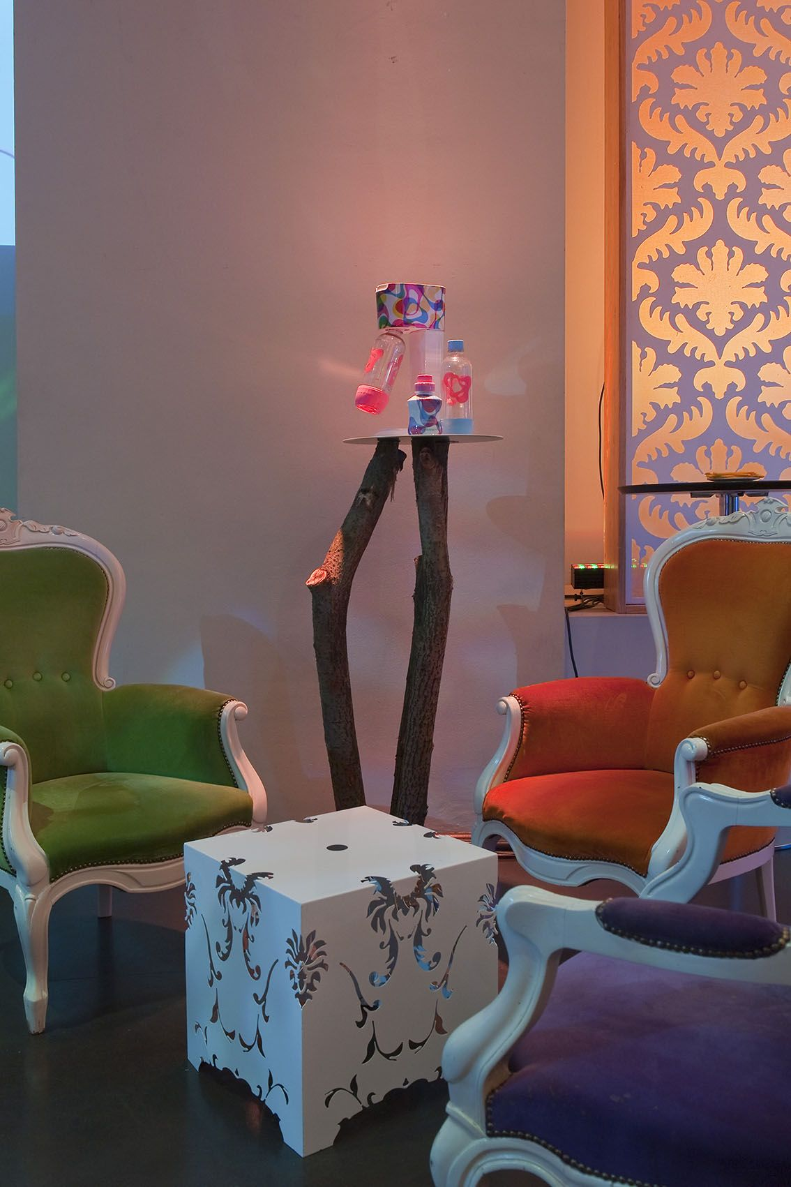 La presentazione della stravagante collezione Limited Edition di Karim Rashid