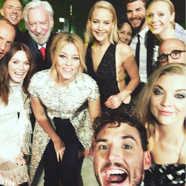 Thanks Sam for taking this epic selfie! #besties #mockingjaypart2 ❤️❤️ thank you fans! @mrsamclaflin