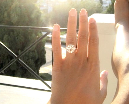 THIS IS MY RING This is the one I want but cant have a simple