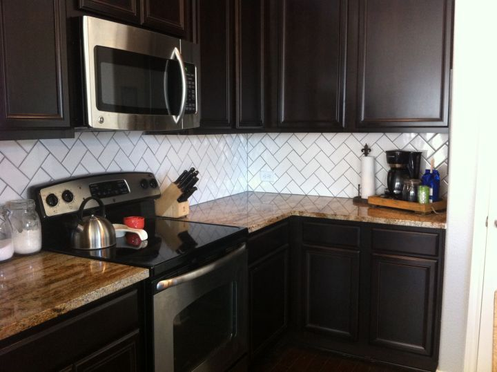 Perhaps Laughter Brings Clarity Backsplash With Dark Cabinets