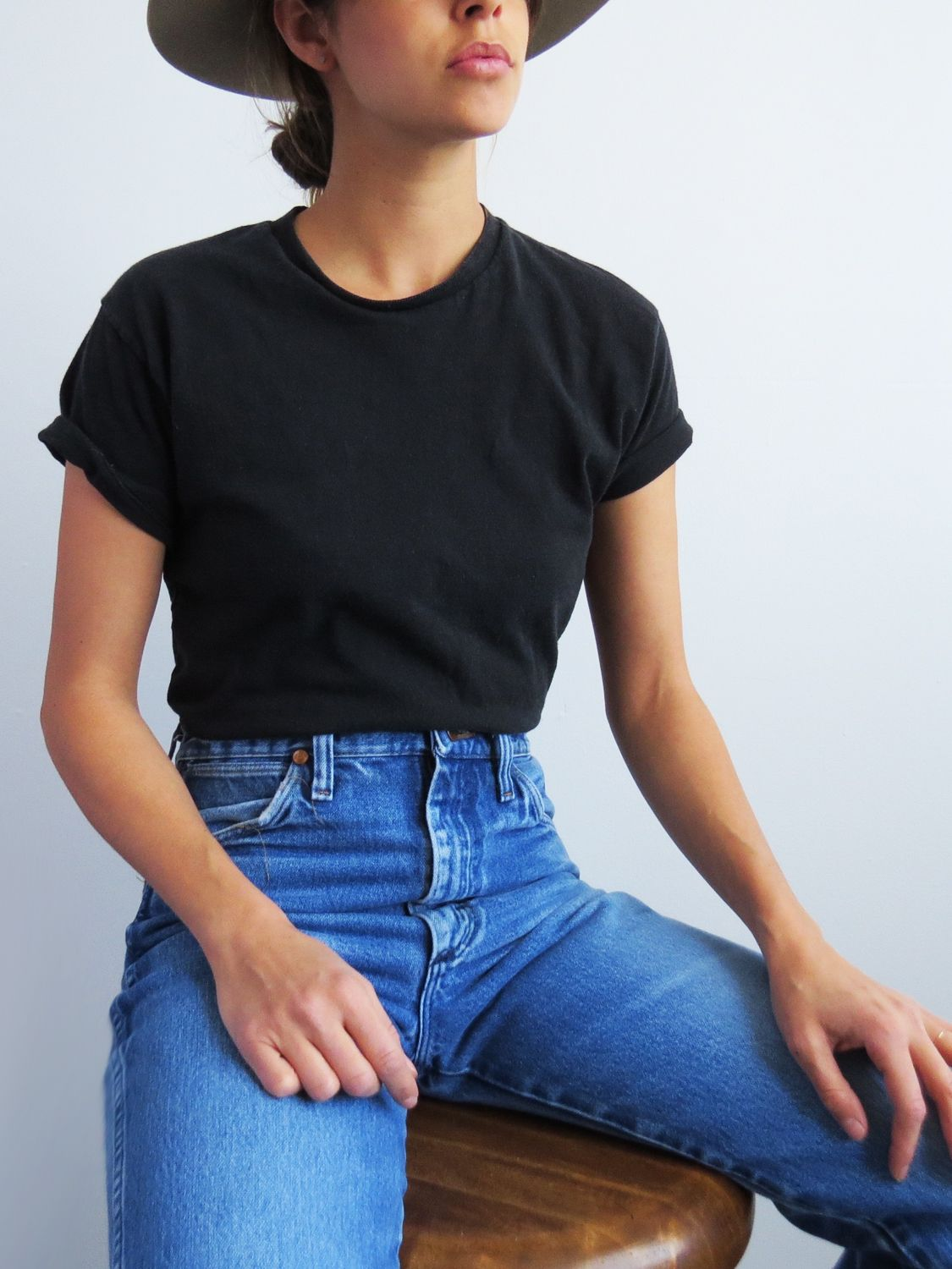 Black t shirt and jeans - Vintage Wrangler High Waist Jeans
