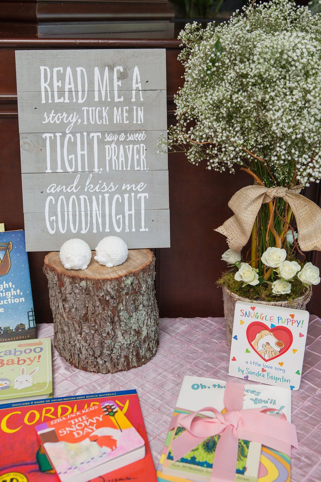 A Modern, Woodland Themed Baby Shower. I´m having a crush ...  Woodland Creature Baby Shower Quotes