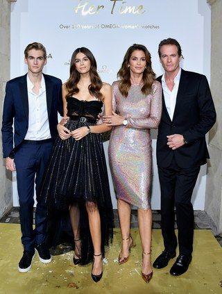 Are you kidding me, this model family. Presley Gerber,Kaia Gerber,Cindy Crawford and Rande Gerber