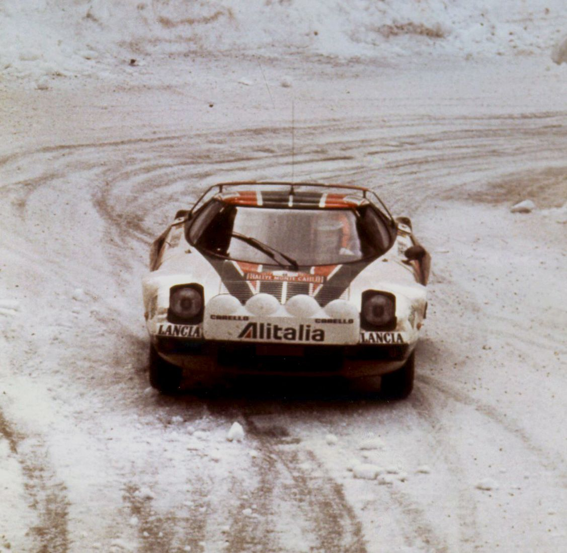 #Lancia #Stratos and Alitalia proud sponsor. This was the Monte-Carlo Rally, 1977