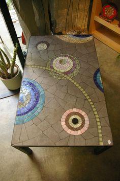 20 table basse ext rieure exterieur table mosaique. Black Bedroom Furniture Sets. Home Design Ideas