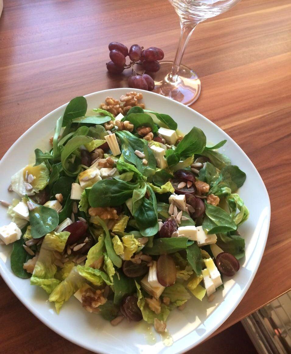 Photo of Feldsalat mit Trauben, Nüssen und Feta » Küchensachen