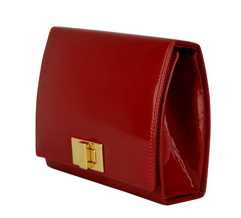 6730c2e9c Bolsa pequena, modelo clutch em verniz vermelho. Pode ser usada com alça  tiracolo ou como clutch, bolsa de mão.