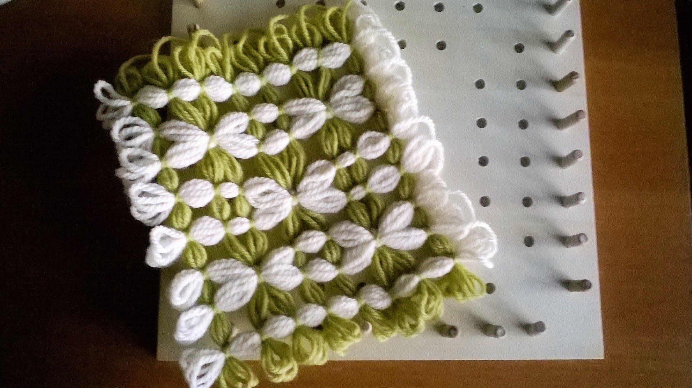 Telaio di maria di gio piastrella bicolore con fiori pontos de