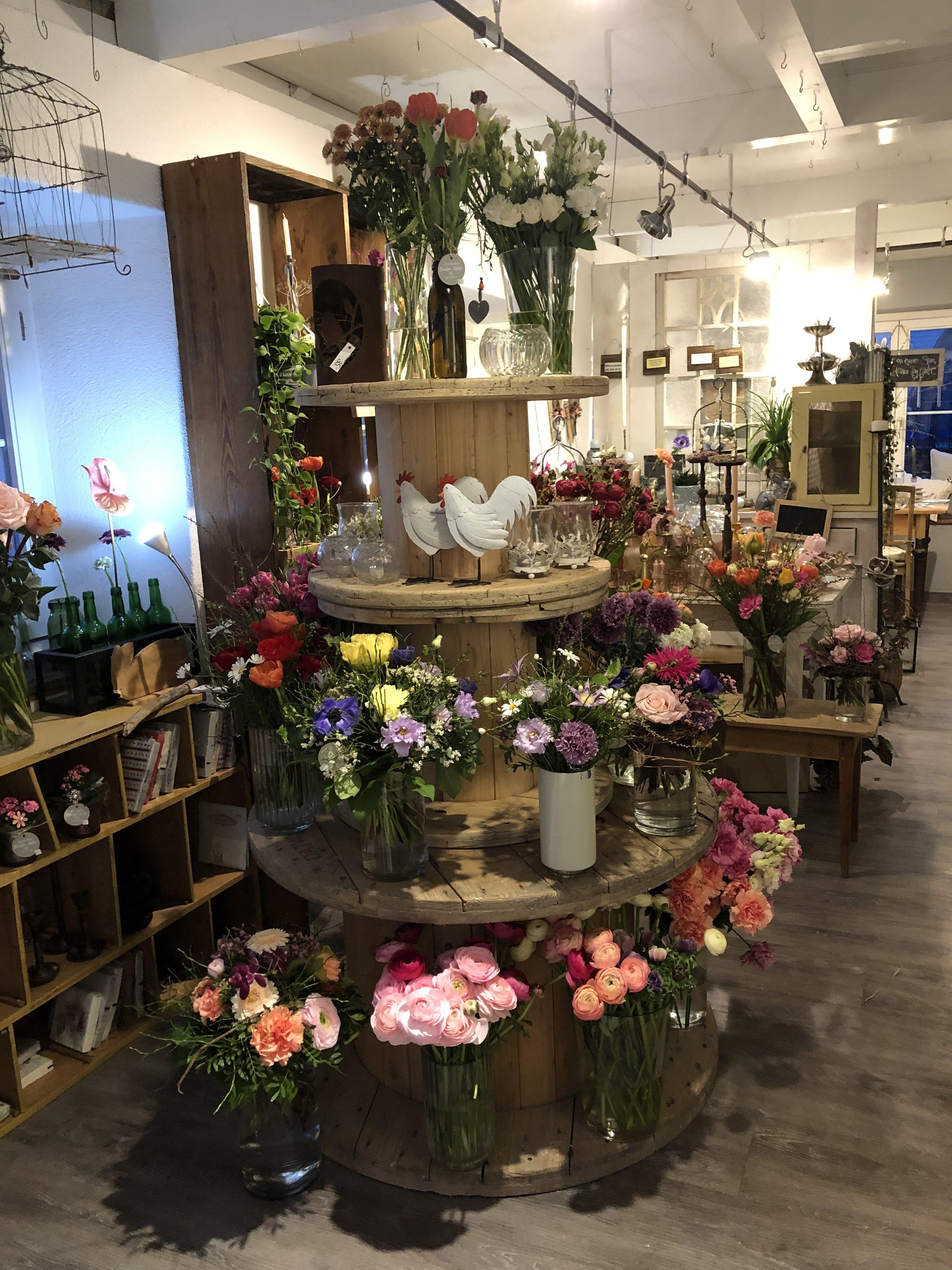 Blumenladen Einrichten Kabeltrommel Blumen Kabelrolle Blumenstrauss Blumenladen Blumengeschaft Einrichtung