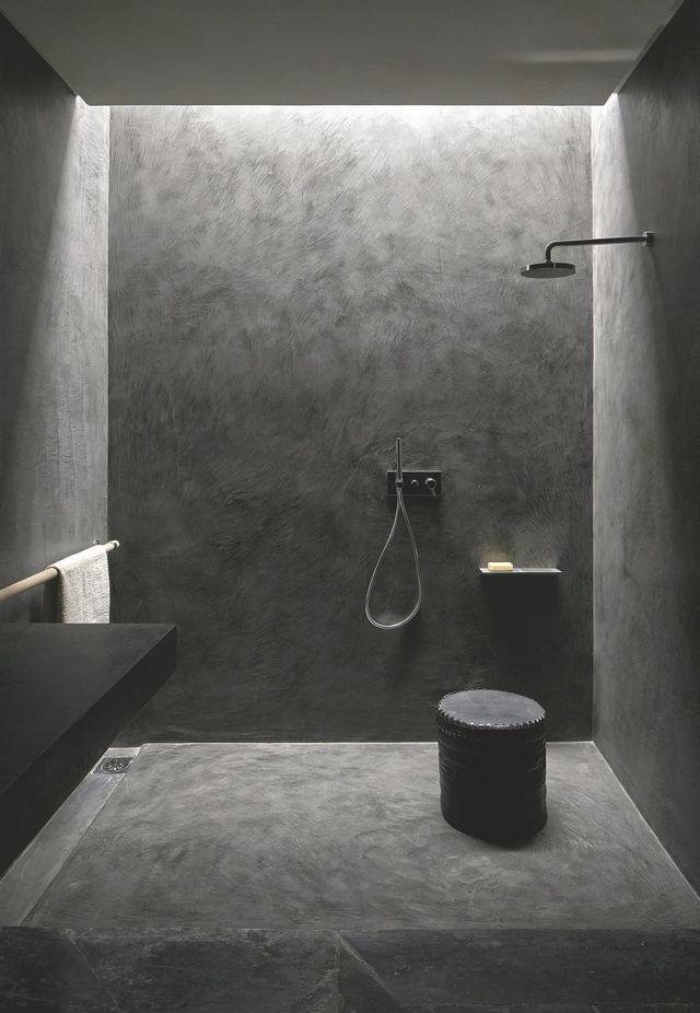 Rénovation salle de bain douche sans joint et sans carrelage | Salle de bain en béton, Douche ...