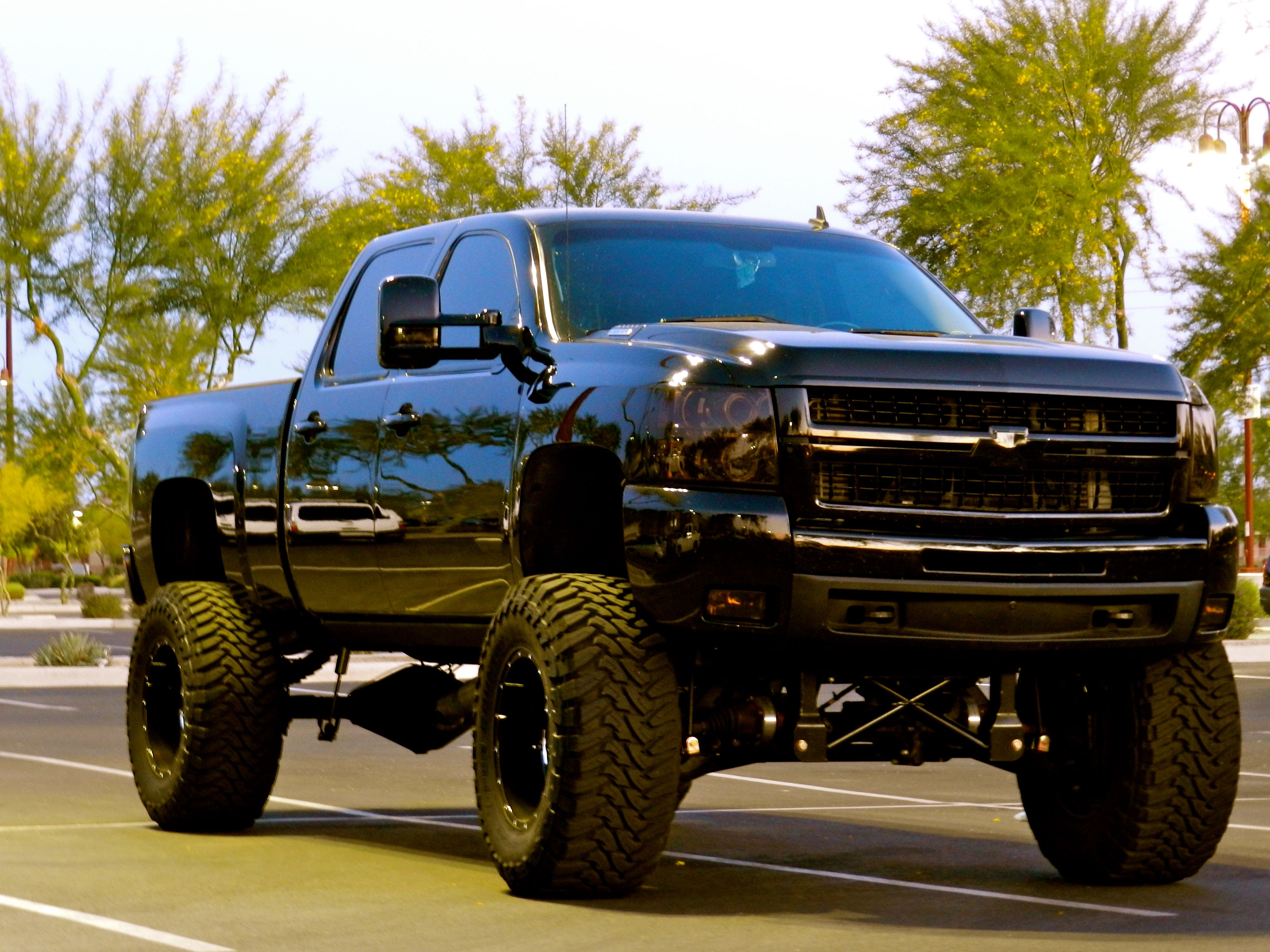 hight resolution of lifted all black chevy