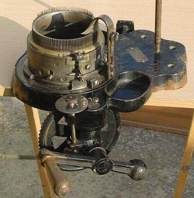 sock machine museum sock knitting machine information. Black Bedroom Furniture Sets. Home Design Ideas