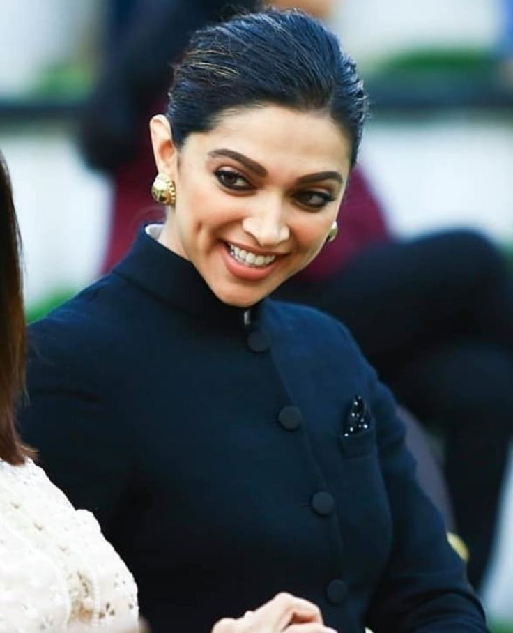 Pin by Bunny on Deepika Padukone in 2020 | Bollywood ...