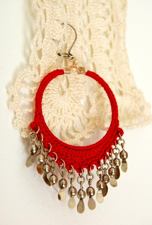 Syrian Loops crochet earrings pattern and tutorial by Olivia Munroe ...