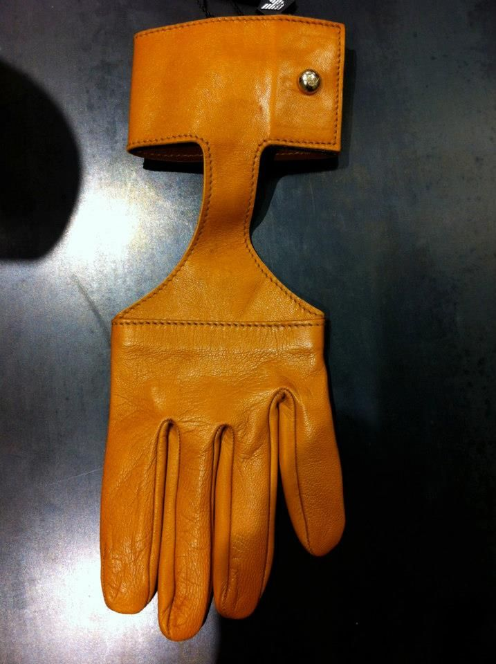 Armani glove S/S 2013 | The House of Beccaria #