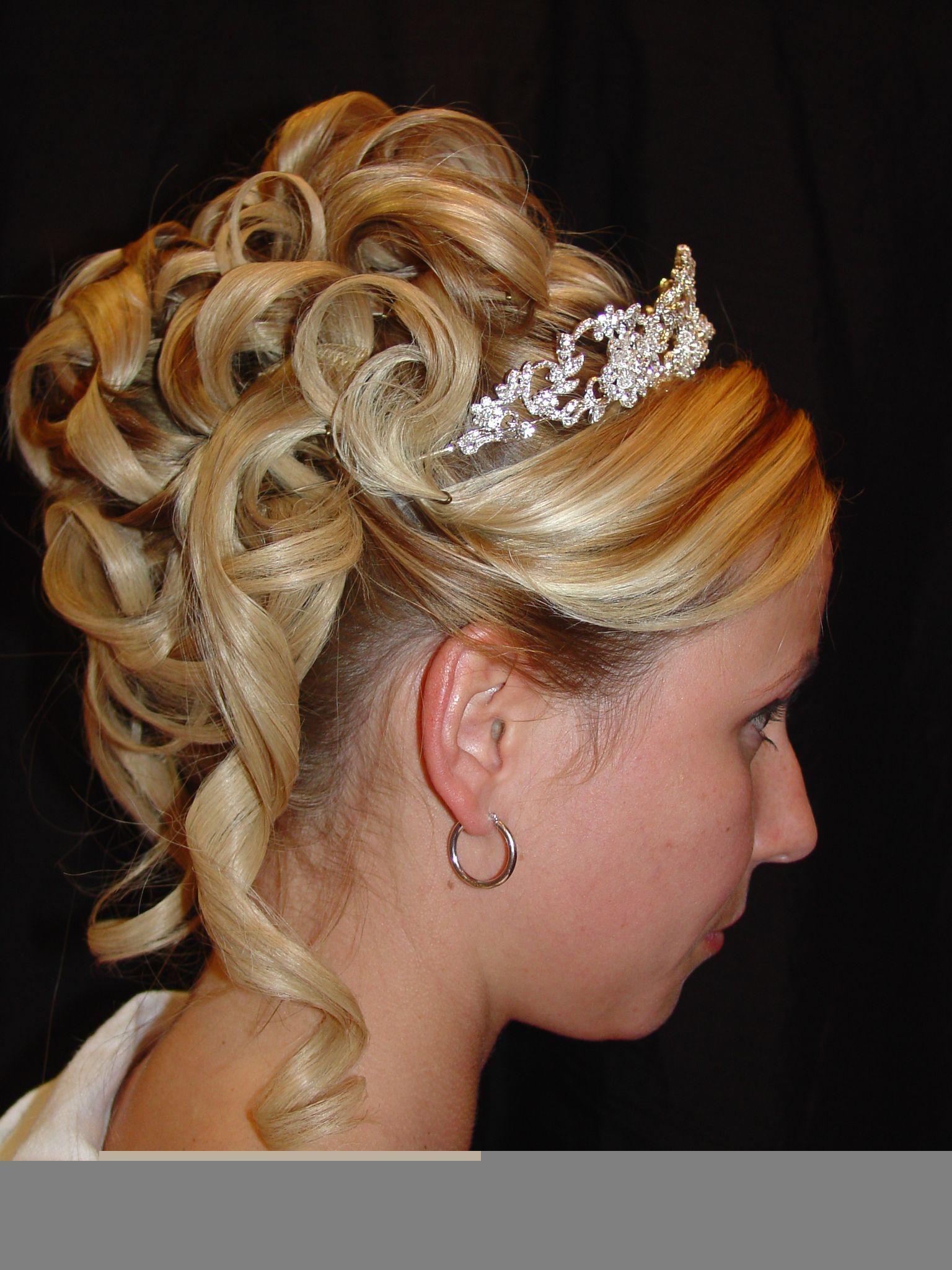 Curl Hair Up With A Tiara Hair Pinterest Hair Style