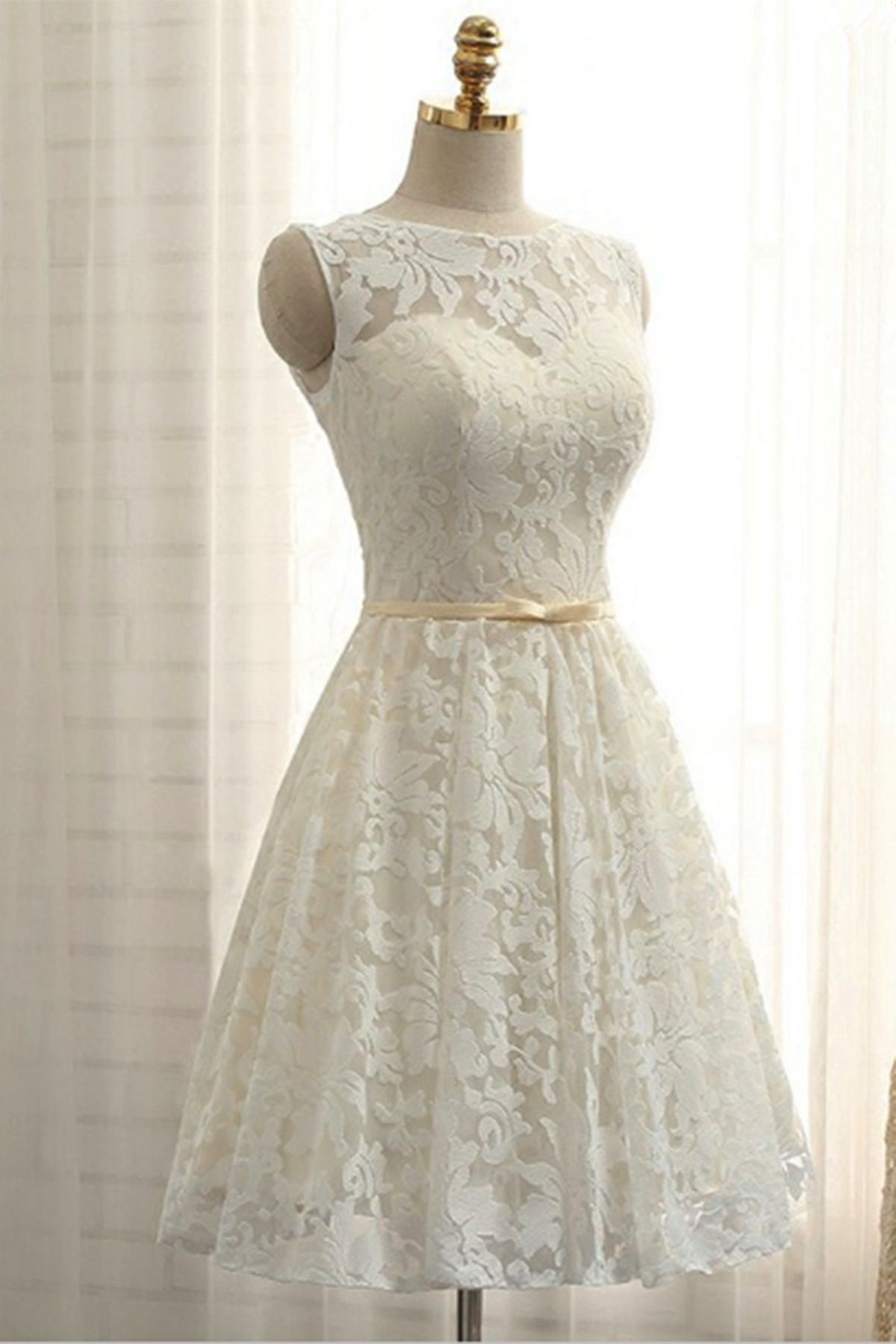 Ivory lace short halter prom dress for teens short bridesmaid dress