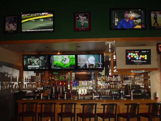 Draughts Restaurant In Thousand Oaks For Pizza Favorite