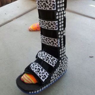 A designer cast! Who says you can't keep a foot fabulous