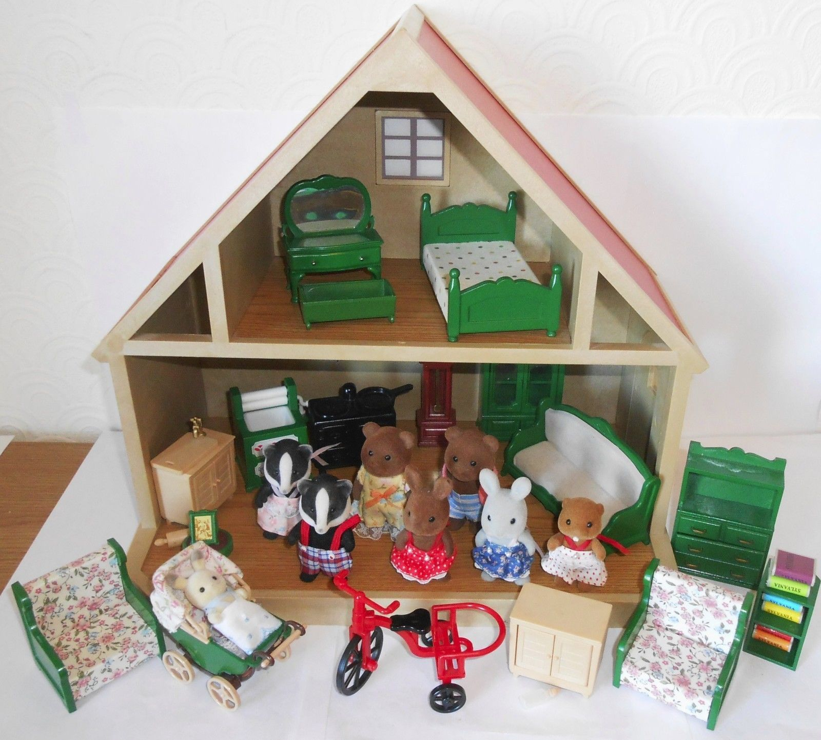 #Vintage 1980`s sylvanian families #house with furniture and #figures big job lot,  View more on the LINK: http://www.zeppy.io/product/gb/2/201706979096/