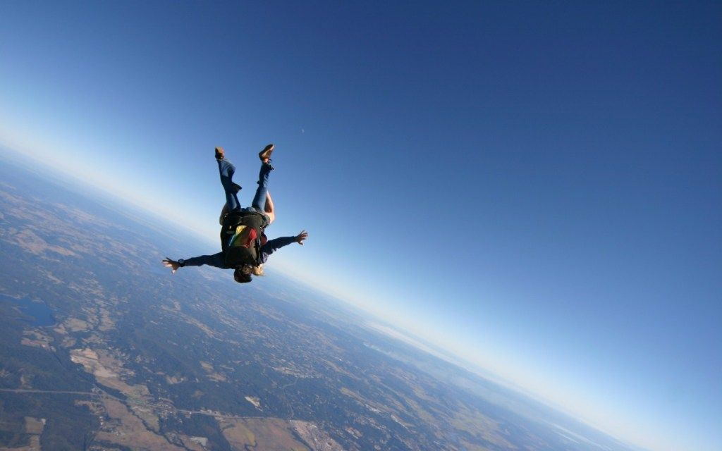 Skydiving With Images Skydiving Beautiful Places In The World