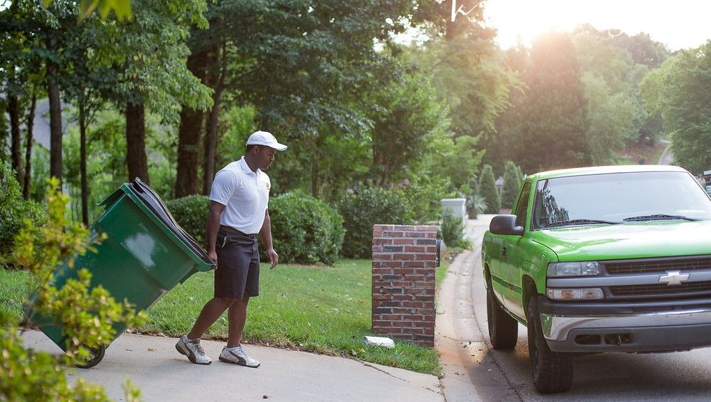 How To Find The Junk Removal Companies Near Me Junk Removal Trash Removal Services Trash Removal