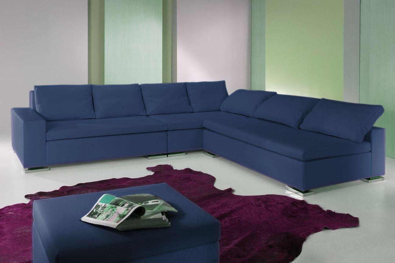 Divano moderno maurizio colore azzurro produzione for Divani moderni grigi