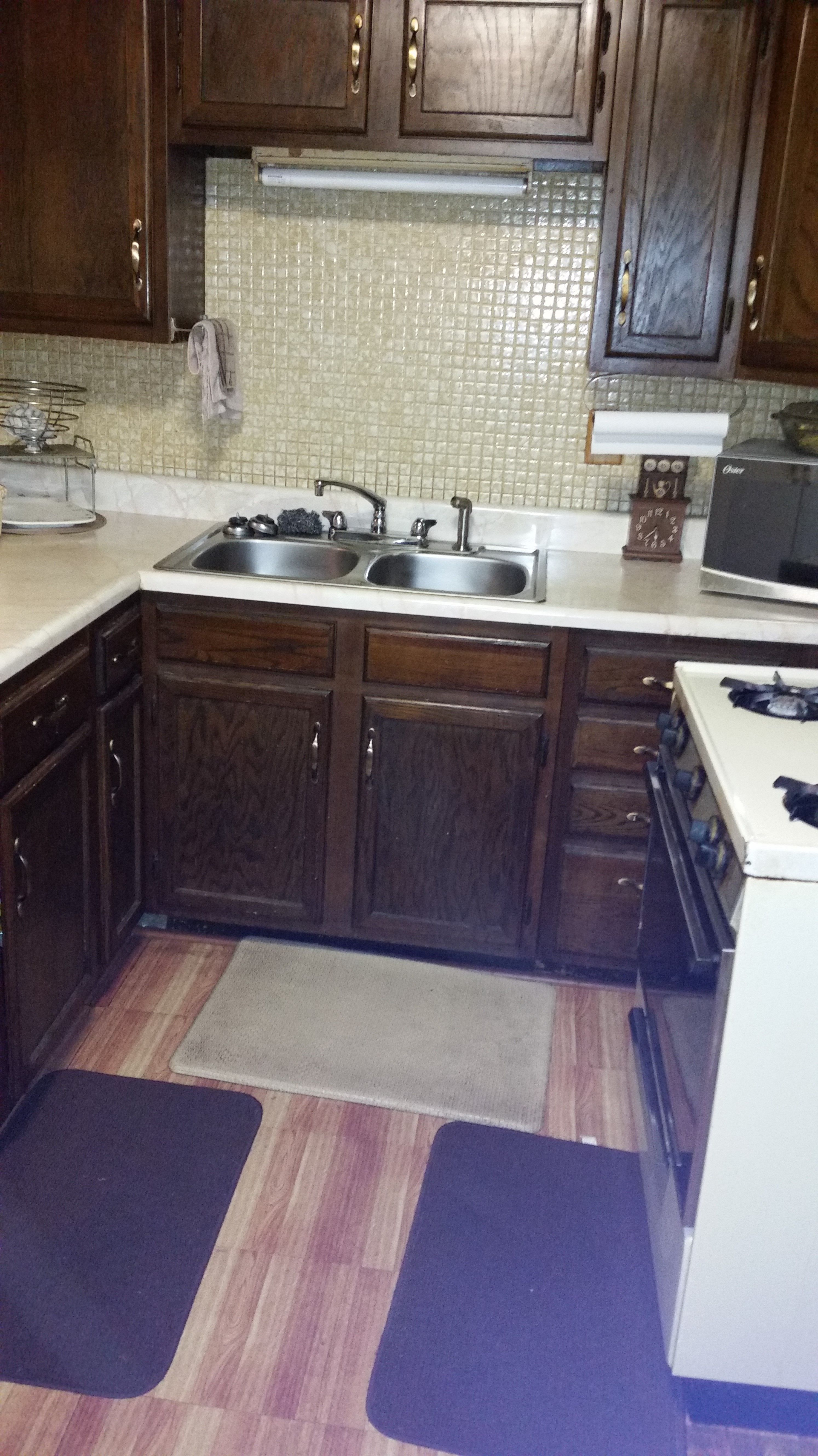Rent To Own This 1692 Sq Ft 3 Bedroom 1 Bathroom Family Home In Kansas City Mo Today 875 Mo Dining Room Cabinet Rent To Own Homes Large Storage Cabinets