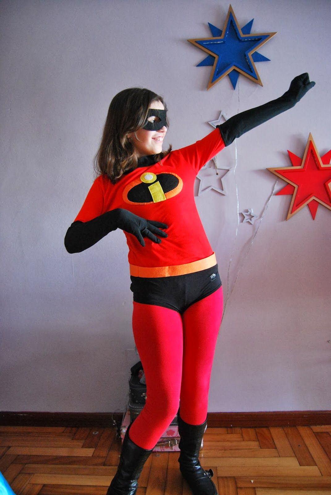 The Incredibles costume, so easy DIY costume. Los ... Incredibles Costume