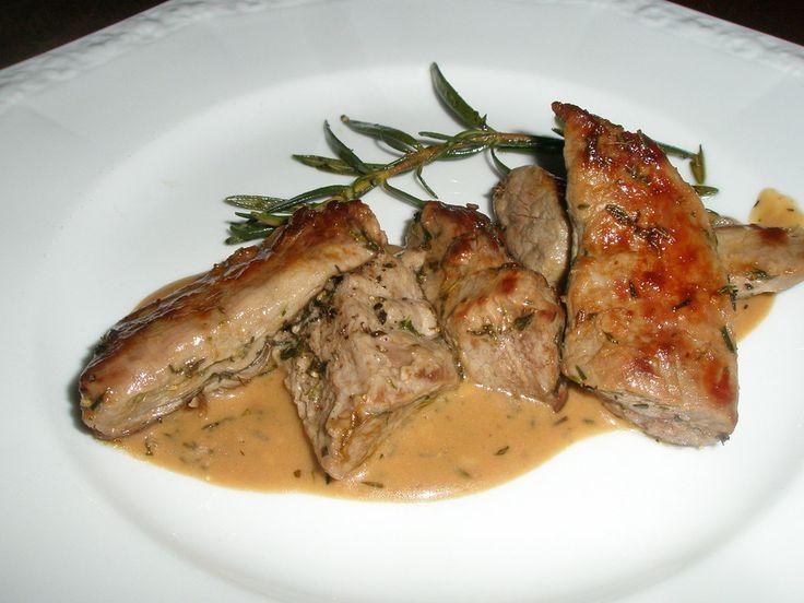 Lammfilet mit Knoblauch - Thymian - Sauce Lammfilet mit Knoblauch - Thymian - Sauce,