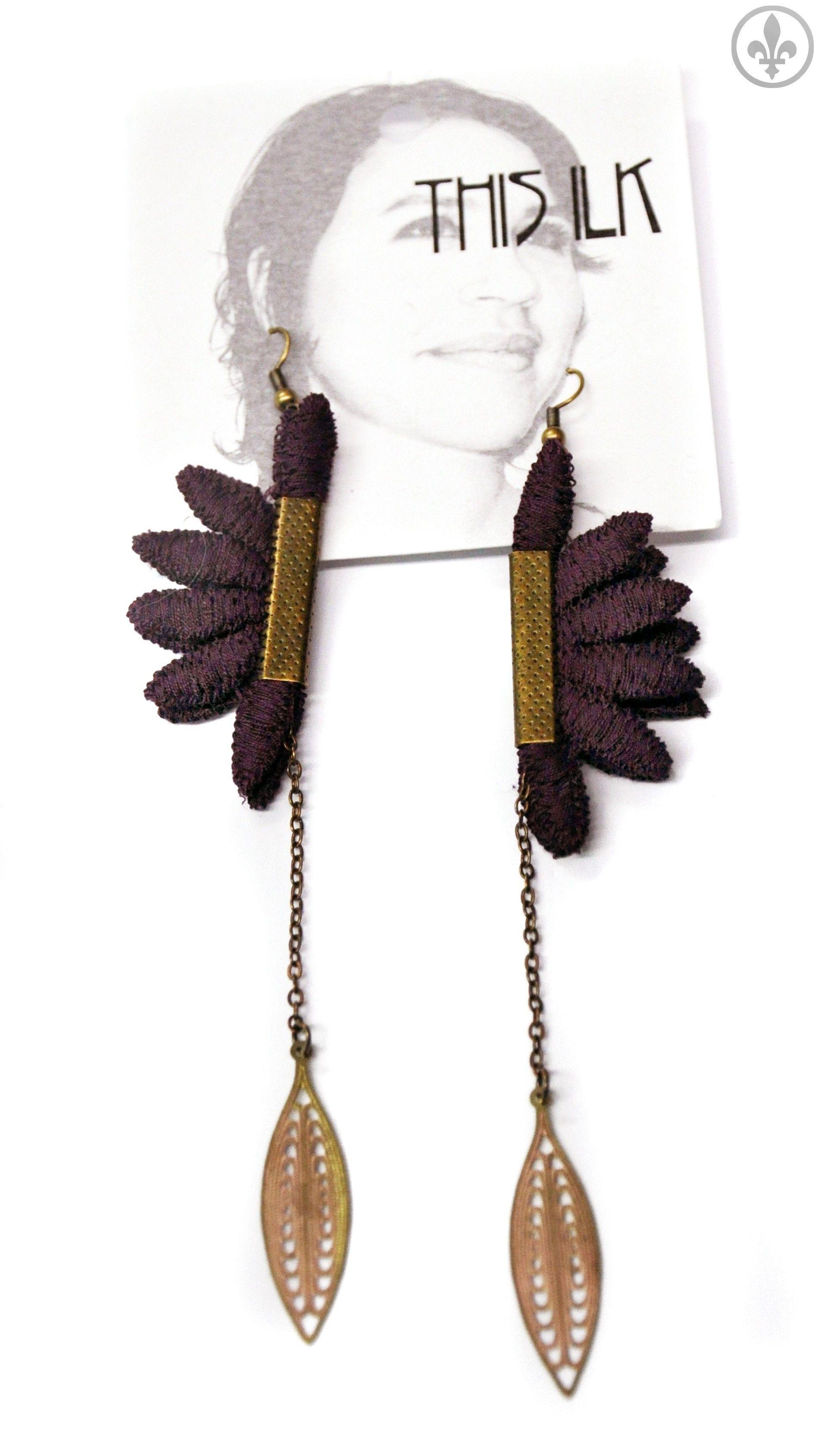 Boucles d'oreilles Pendulum de This Ilk Jewelry, Tassel