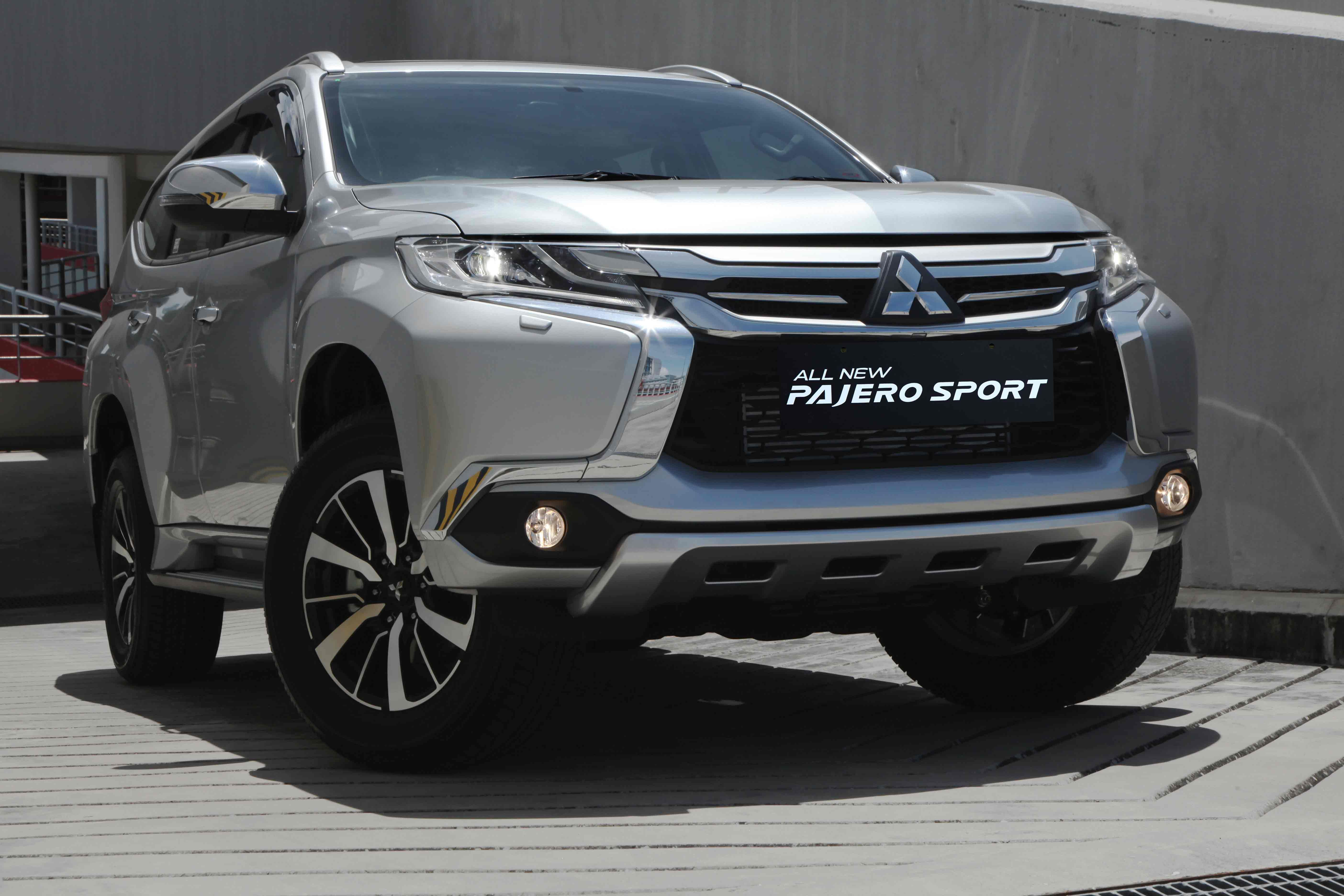 The all new pajero sport 2016 indonesia all new mitsubishi pajero sport pinterest indonesia mitsubishi pajero and motor vehicle