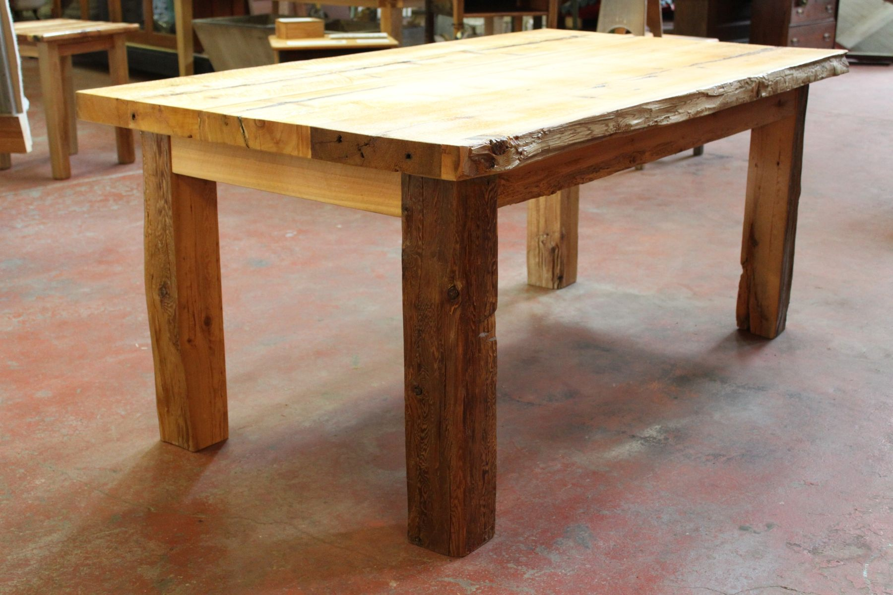 Charmant Large Harvest Table