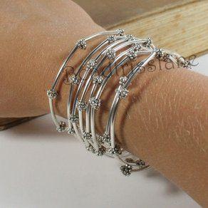 silver-flower-bangle-memory-wire-bracelet-handmade--