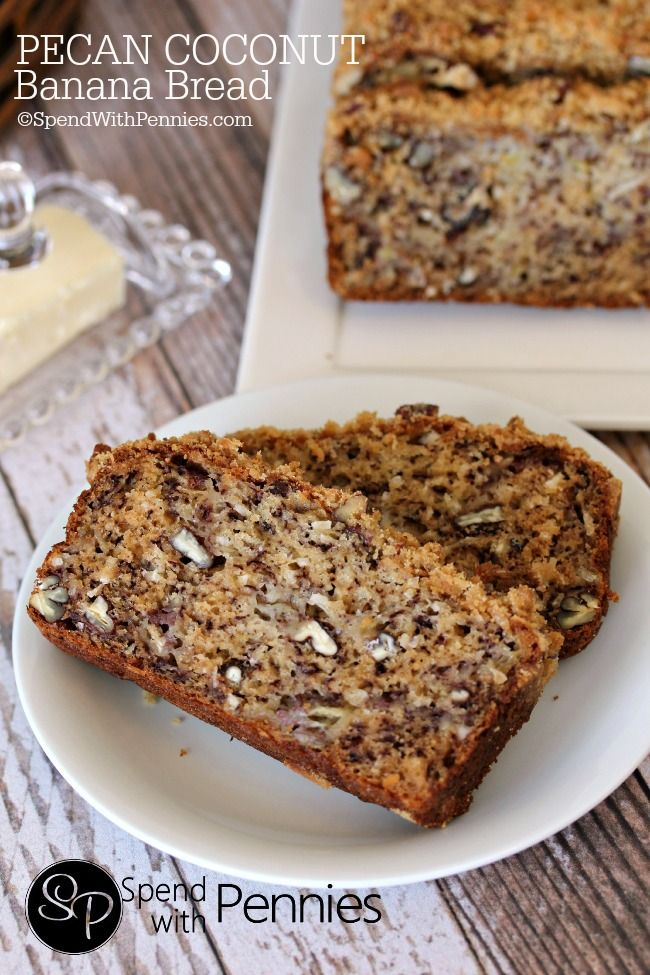 <3 Pecan Coconut Banana Bread Recipe <3! My favorite banana bread yet! Super moist with an amazing crumbly pecan streusel topping! <3
