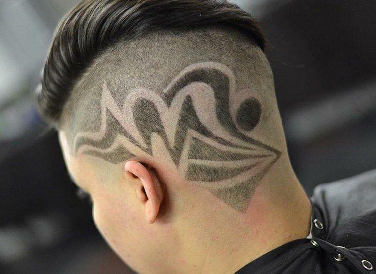 Coupe de cheveux avec dessin