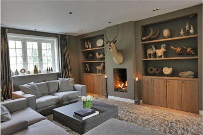 Gezellige woonkamer, met mooie geïntegreerde haard | At home ...