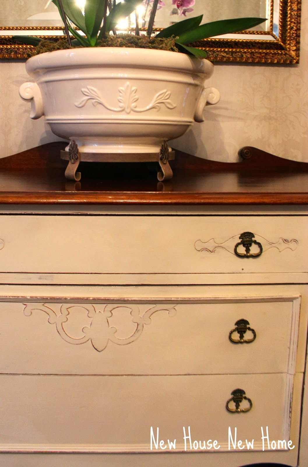 Sideboard repainted with ASCP Old Ochre #ASCP, #Old Ochre, #New House New Home http://www.newhousenewhomenewlife.com/2014/01/practice-what-you-preach.html