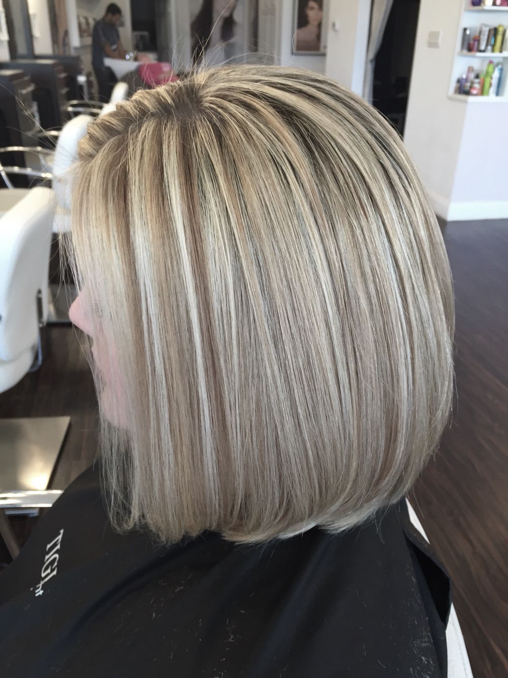 Blonde highlights and bob haircut. No toning needed #olaplex