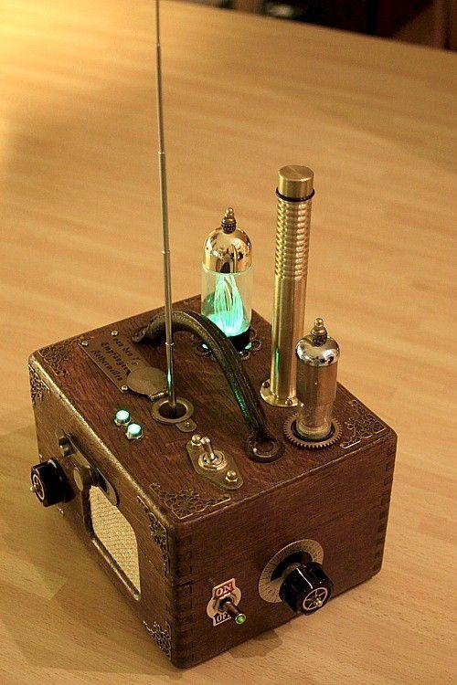 van den booms empf nger f r aetherwellen selbstbau ukw radio im geh use einer taubenuhr. Black Bedroom Furniture Sets. Home Design Ideas