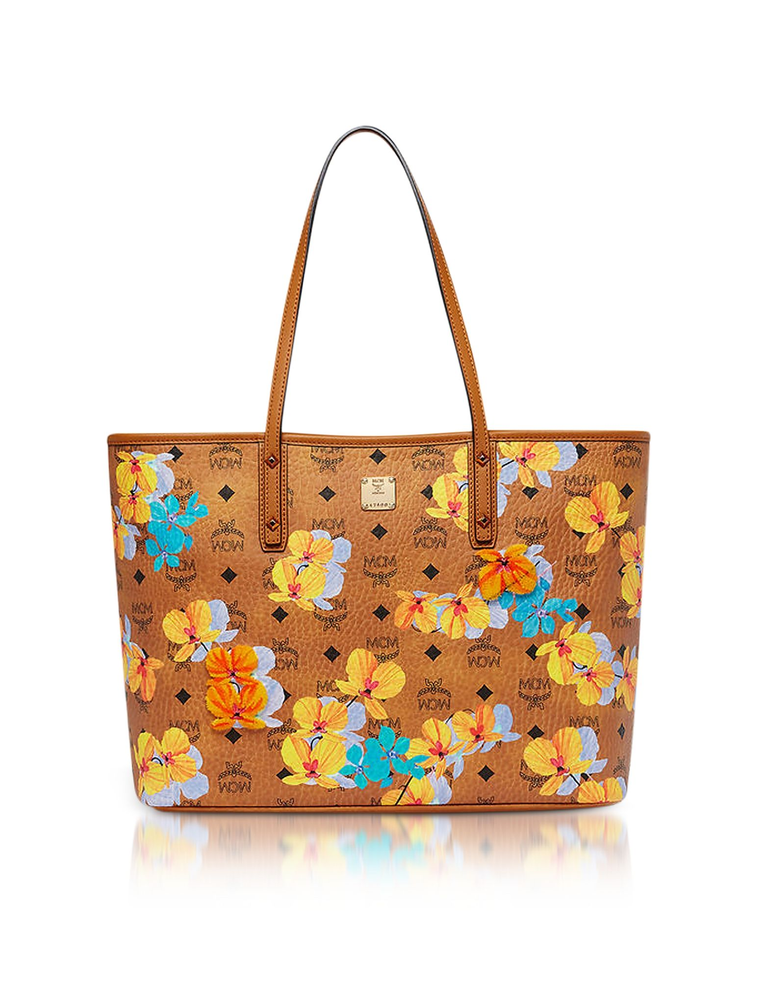 b2bad0e8bfa13c MCM . #mcm #bags #shoulder bags #hand bags #canvas #leather #tote ...