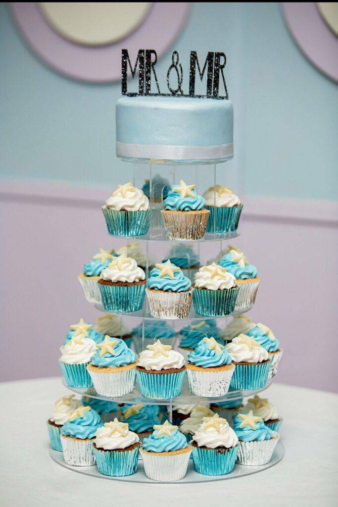 Mr and Mr cupcake tower