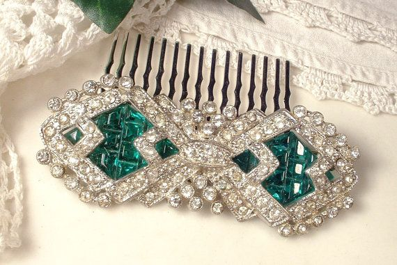 1920s Emerald Green & Clear Rhinestone Hair Comb by AmoreTreasure #Etsy