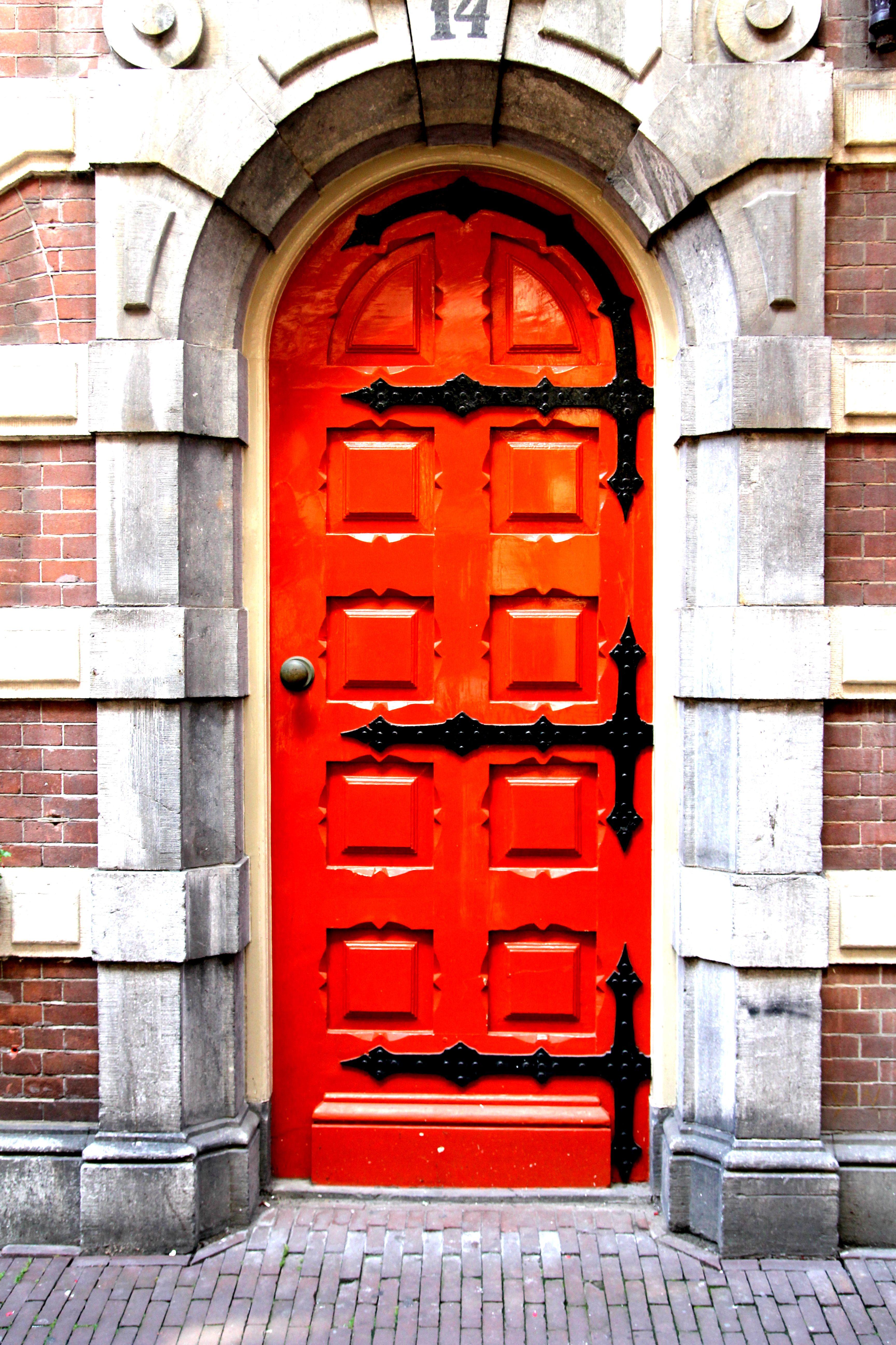 Mysterious Door 14 Beautiful Doors Doors Cool Doors