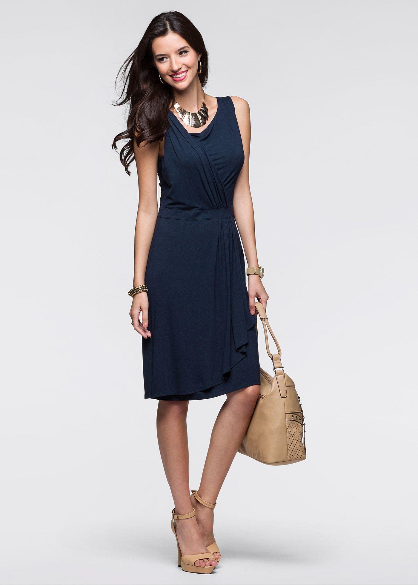 1962b942e Vestido transpassado com babados azul escuro encomendar agora na loja  on-line bonprix.de R$ 139,00 a partir de Vestido sem mangas muito feminino.  Com .