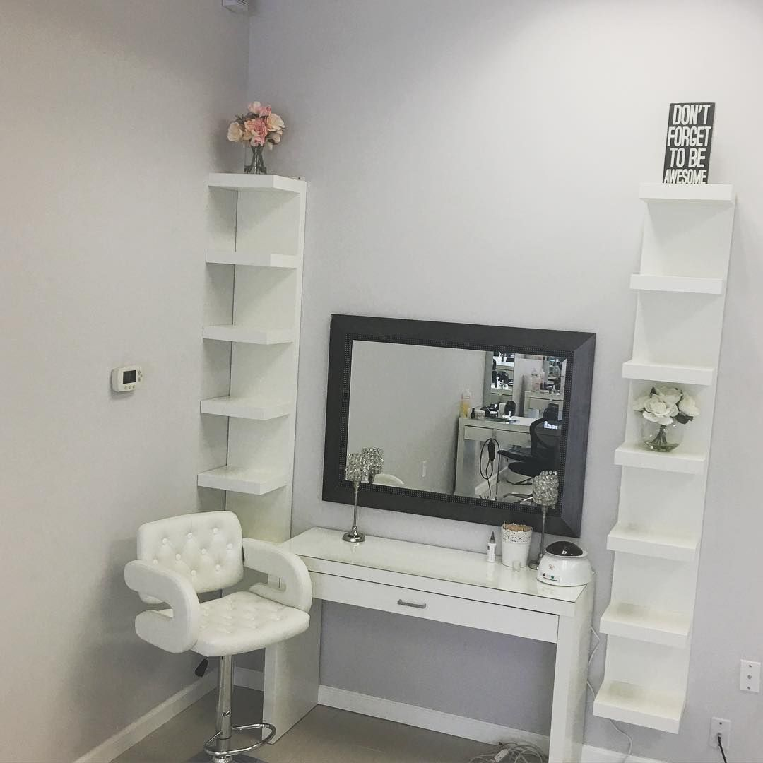 Matte Queen On Instagram Now Hiring Makeup Artist Or Henna Artist For This Space Booth Rent Only If Interested P Salon Booth Decor Booth Decor Salon Decor