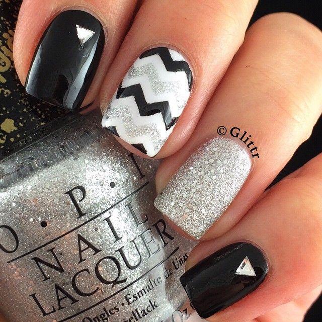 Black, silver, and chevron nail designs for Spring! - Blanco Y Negro Tendencia En Uñas (decoración) Pinterest Nail