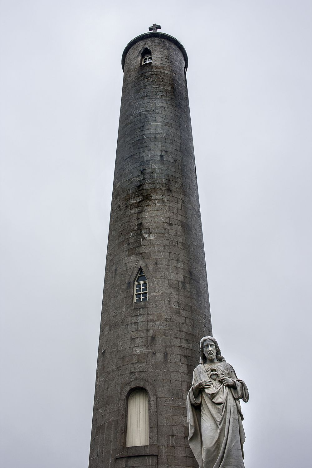 O'Connell monument,  Grave yard at Glasnevin cemetery