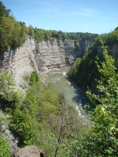 Letchworth State Park is one of the most beautiful places to go in NY in autumn. #letchworthstatepark Letchworth State Park is one of the most beautiful places to go in NY in autumn. #letchworthstatepark
